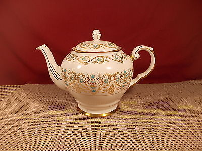 Tuscan/Royal Tuscan Fine China Louise Pattern Teapot