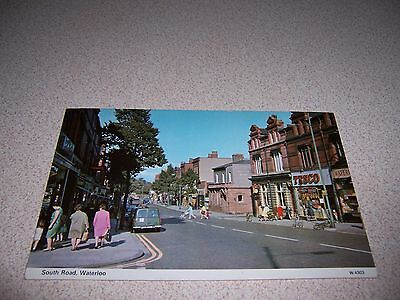 1960s STREET-VIEW SOUTH ROAD DOWNTOWN WATERLOO LONDON UK. VTG POSTCARD