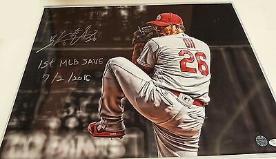 Seeing Hwan Oh St. Louis Cardinals Signed 16X20 Photo 1st MLB Save Insc. JSA COA