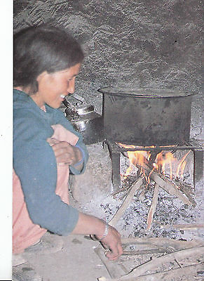 Ethnic Postcard - Cooking Lunch in Village Hut    AB2290