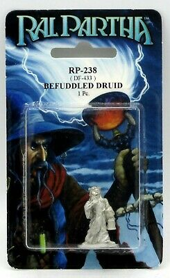 Ral Partha RP-238 Befuddled Druid (1) 25mm Miniature Spaced-Out Wizard Mage Hero