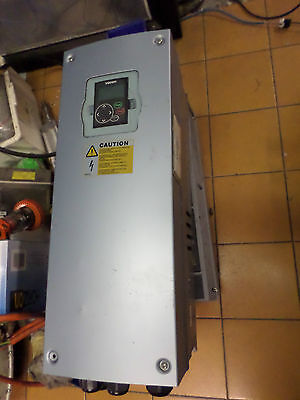 VACON VARIALE SPEED DRIVE VFD - NXL00615C5H1 - MASSIVE 30kW - 61amps 380-500AC