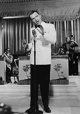 Art Print Poster / Canvas Frank Sinatra at Microphone