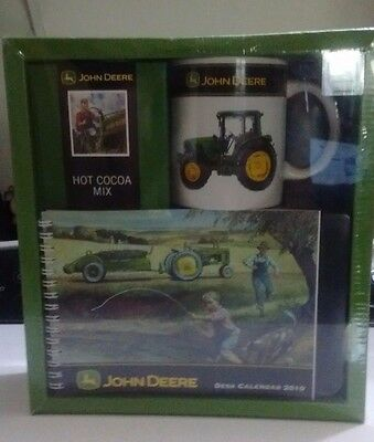 New 2010 Collectible John Deere Desk Calendar,Tractor Mug,Cocoa Mix Gift Set