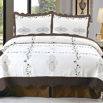 Lavish Home Athena Embroidered 3-Piece Quilt Set King New