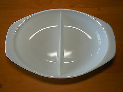 Pyrex USA White DIVIDED OVAL VEGETABLE SERVING DISH w handles 1.5 Qt 13 in