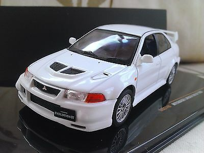 1999 Mitsubishi Lancer Evo Vl 6 - White - Diecast Model Car 1/43 IXO