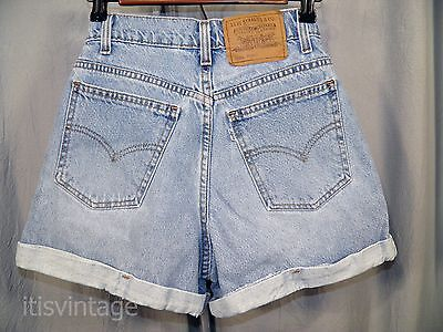 Vintage Levis 910 Denim Jean High Waist Shorts Cuffed Hem Regular Fit 954 Vtg