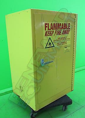 Eagle 1924 Flammable Safety Storage Cabinet 12-Gallon