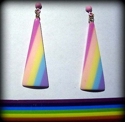 VTG Vanilla Rainbow Drop  Triangle Laminated Layered Lucite Earrings Pastel