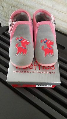 Chaussons pantoufles roses pointure taille maat grootte 20 WOEFFIES Fille