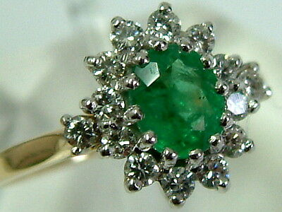 Lovely Quality 18Ct Gold Emerald And Diamonds Classic Cluster Ring