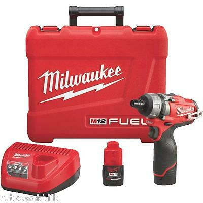 Milwaukee M12 FUEL 12-Volt Lithium-Ion Brushless Cordless Screwdriver Kit