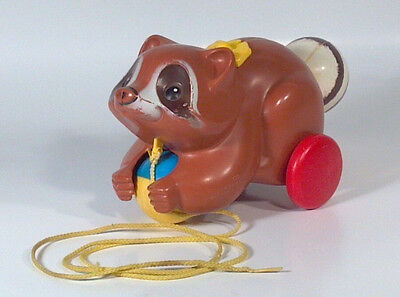 Vintage 1979  Fisher Price Roly Raccoon Pull Toy 172 Baby Toddler