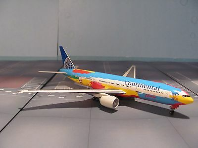 Dragon Wings 1:400 scale diecast model Continetal  B 777-2 Commercial airlines