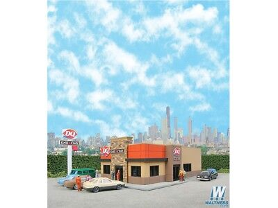 Dairy Queen Grill & Chill Building Kit N - Walthers Cornerstone #933-3846