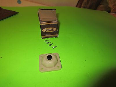 Vintage Leviton BAKELITE Push Button Door Bell 9700-I - Ivory,  New in Box (PS5)