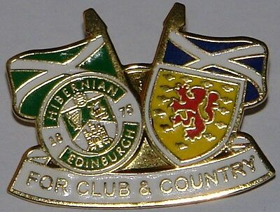hibernian club and country badge no 40