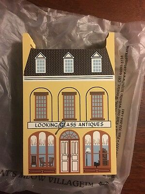 Cat's Meow Looking Glass Antiques 01-431