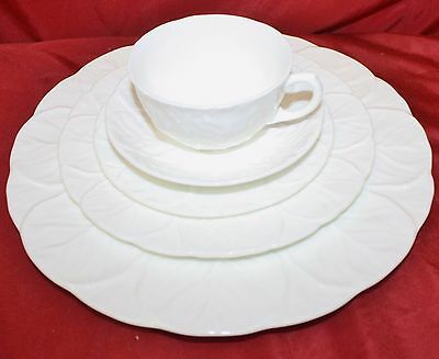 Wedgwood Bone China England Countryware - 40 Piece Set - NEW Condition