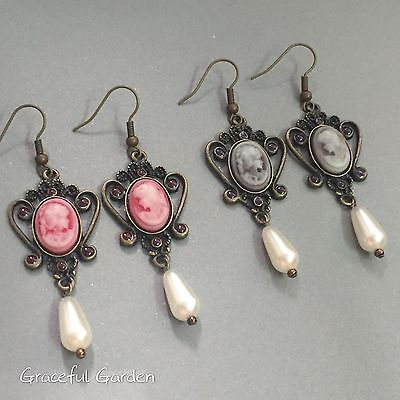 ER3082 Graceful Garden Victorian Style Queen Lady Cameo Faux Pearl Earrings
