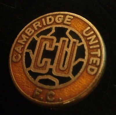 Cambridge United Fc Club Crest Small Round Football Brooch Pin Badge Amber