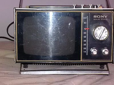Vintage Sony transister TV Model TV-500U Solidstate Rare old feet stand  antenna