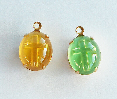VINTAGE 2 INTAGIO GLASS CHRISTIAN RELIGIOUS CROSS OVAL BEAD PENDANTS • 12x10mm