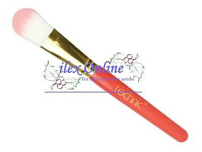 Technic Synthetic Hair Super Soft Foundation Brush For An Even Coverage