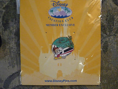 MICKEY  Disney Pin 2010 MONORAIL BAYLAKE TOWER  DVC EXCLUSIVE  NEW ON Card