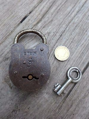 Vintage  Padlock with one key working order beautiful padlock unique collector