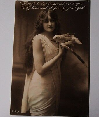 K433 - 1905 BEAUTIFUL GIRL With a SEAGULL Photo Postcard