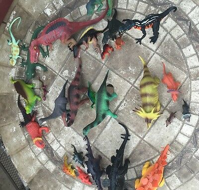 Lot of 27 Plastic Dinosaurs Large and Small