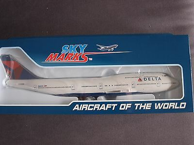 Delta Airlines B747-400 N665US Skymarks Model With Gear 1:200 Scale  - SKR508