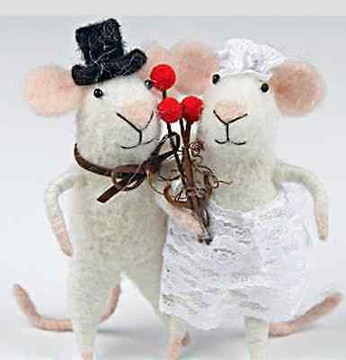 New Cute Pin Felt Needle Felted Collectible Bride & Groom Mouse Figure Gift