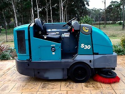 Tennant/S30/Commercial/Industrial/Factory/Ride on/Vacuum/Street/Road/Sweeper