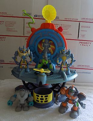 """Fisher-Price PLANET HEROES """"Solar Quarters-Space Station w/ 5 Action Figures"""""""