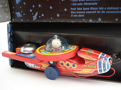 Fisher Price 1998 Space Blazer Pull Toy