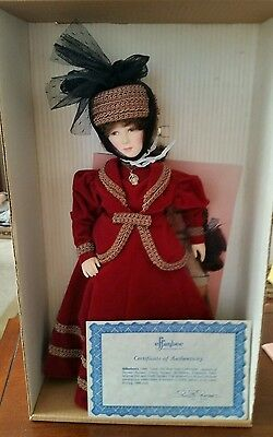 Effanbee 1985 Park Avenue #7301 mint in box doll stand