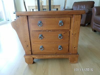 Side table antique pine with 2 drawers and magazine rack
