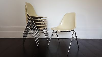 Vintage Charles and Ray Eames Fibreglass DSS stacking chair for Herman Miller