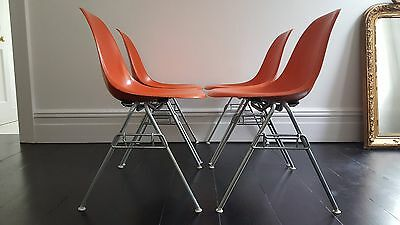 Original Vintage Charles And Ray Eames Dss Fibreglass Chairs For Herman Miller