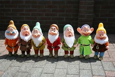 Disney Snow white and the 7 dwarfs HUGE DOLL set Europe ONLY