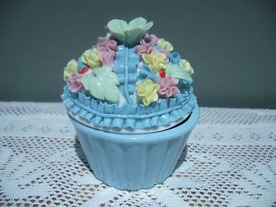 Robert Gordon Pottery 'scrumptious' Cup Cake Trinket In Blue - Gc