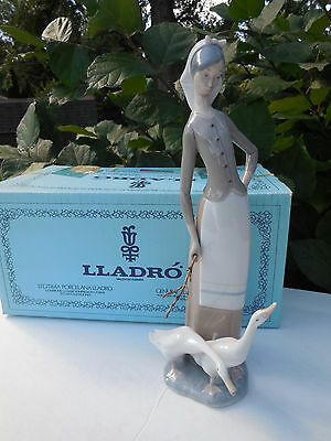 Vintage Retired Lladro Statue #1035 Girl With Geese Figurine  Original Box Wow