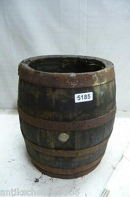 5185. Altes Holzfass Fass Weinfass Old wooden barrel