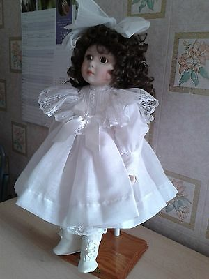 Beautiful Porcelain Doll By Beth Mullins For Franklin Heirlooms