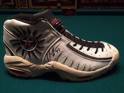 1998 Dennis Rodman Chicago Bulls Autographed Game Worn Shoe