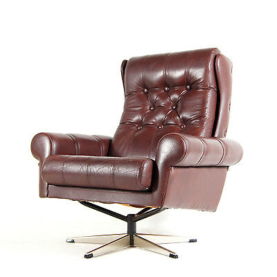 Retro Vintage Danish Swivel Base Buttoned Leather Armchair Egg Lounge Chair 60s • £350.00