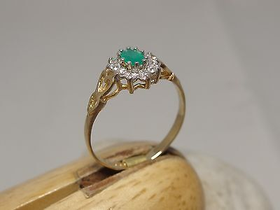 9ct CT YELLOW GOLD EMERALD DRESS RING HEARTS ON SHOULDER SIZE O